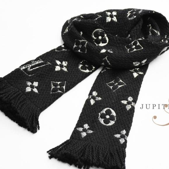 be256a719c71 Louis Vuitton Accessories - Louis Vuitton Monogram Black Silver Scarf